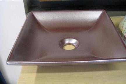 כיור צבעוני לאמבטיה 7551. מידה 36.5X36.5  כיור מונח מחרס  צבע: מטאל ברונזה