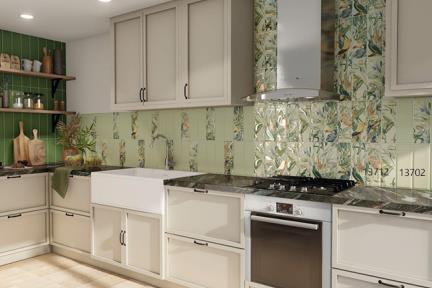 אריחים למטבח מקרמיקה 13702+13712. דגם 13702 - ירוק מנטה בהיר Size: 30*10  דגם 13712 - פרחים וציפורים מעורב אריחים שונים. רקע תכלת. Size: 30*10