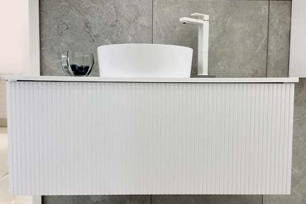 כיור מונח לחדר אמבטיה L479-1 + 6179-1. L479-1 כיור אבן מלאכותית צבע לבן  קוטר 40  6179-1 ארון  מגירה פסים בלבן ללא משטח  גודל: 46*100
