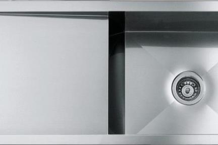 כיור למטבח עשוי נירוסטה NR107. כיור נירוסטה בודד עם משטח ימין\שמאל  מידה 108X48  עומק כיור 20 סמ