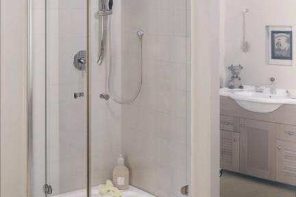 מקלחון פינה מרובע 41