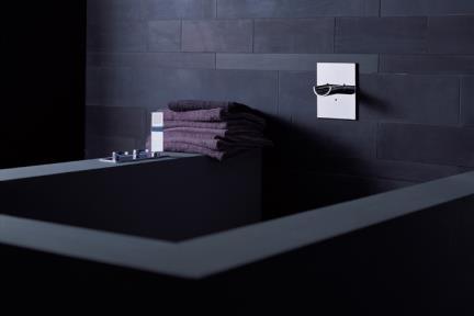 סט מדופן אמבטיה AQUAVIVA ברז Bongio מסדרת Aquaviva 56531. MARIO BONGIO - ITALIA  סידרה  AQUAVIVA   דגם: 56531