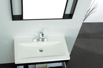 כיור אמבטיה אקרילי L6900. כיור אקרילי  מידה 91X49  קיים עם או בלי חור לברז