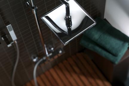 סוללה עם מוט +ראש טוש + מזלף ברז Bongio מסדרת Domino 43537D. MARIO BONGIO - ITALIA  סידרה  DOMINO  דגם: 43537D