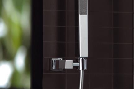 מזלף מהקיר עם נקודת מים אינטגרלית ברז Bongio מסדרת Domino 43824. MARIO BONGIO - ITALIA  סידרה  DOMINO  דגם: 43824