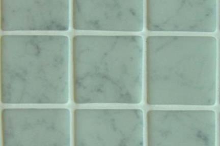 אריחי פסיפס לחיפוי קיר מזכוכית GL1400. פסיפס זכוכית 3.6  על רשת 33*33  קררה מט