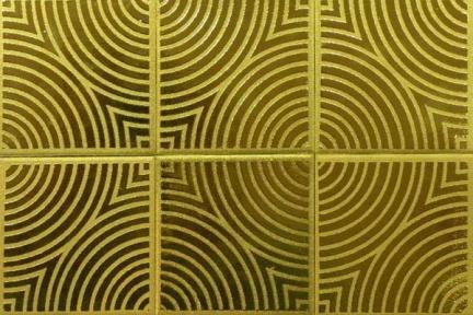 אריחים דקורטיבים ממתכת c3604. דקור קרמי  מזוגג בצבע זהב  מידה 9.5x9.5