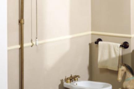 כלים סניטריים בסגנון ענתיקה FR602. אסלה קצרה ענתיקה  עם ניאגרה גבוהה  צינור בכרום או זהב   אפשר גם בברונזה או נחושת
