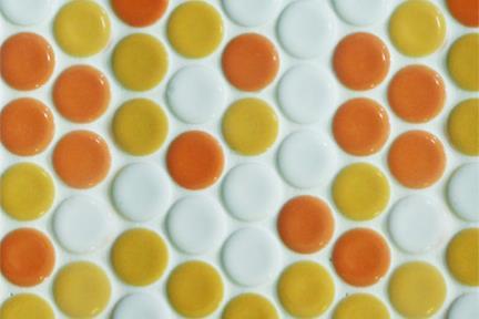 אריחי פסיפס לחיפוי קיר מקרמיקה 3111. פסיפס עיגולים כתומים מעורב, 25.1/25.5