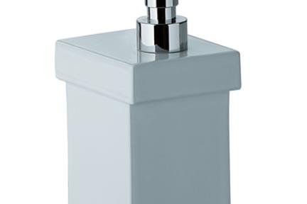 אביזרים לאמבטיה מסדרת 82 8215-2. מתקן סבון נוזלי ניקל נתלה.
