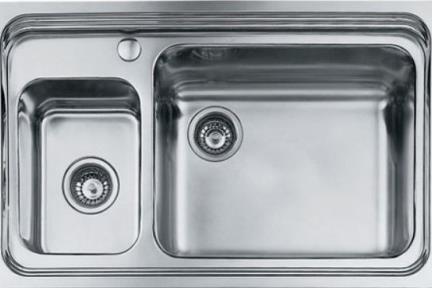 כיור למטבח עשוי נירוסטה NR109. כיור אחד וחצי נירוסטה למטבח + חור לברז.    המפרט הוא לכיור קטן בצד ימין- אבל בפועל יש במלאי כיור קטן  בצד שמאל