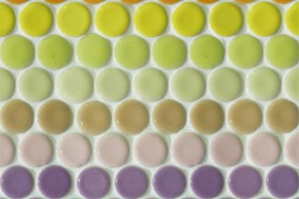 אריחי פסיפס לחיפוי קיר מקרמיקה 3027. פסיפס עיגולים רב צבע.  גודל: 25.5*25.1.