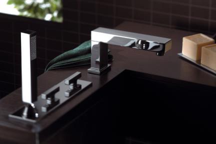 ברז Bongio מסדרת Domino 43531D. ברז מדופן + מזלף + פית מילוי.