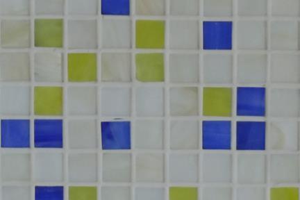 אריחי פסיפס לחיפוי קיר מזכוכית 3003. פסיפס זכוכית 1.5 לבן-כחול-ירוק.  גודל: 32.7*32.7.