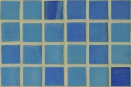 אריחי פסיפס לחיפוי קיר מזכוכית 3004. פסיפס זכוכית 1.5 כחולים.  גודל: 32.7*32.7.
