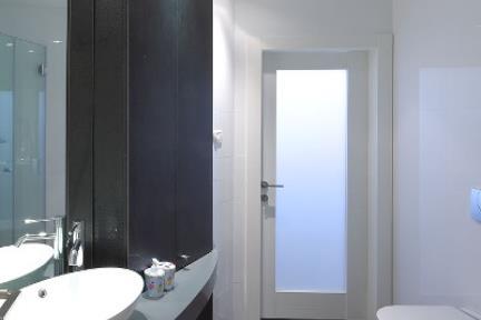 חדר שירותים 2. עיצוב רלו