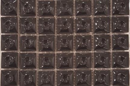 אריחי פסיפס לחיפוי קיר מקרמיקה 3643. פסיפס מעוגלים שחור.  גודל 30*30