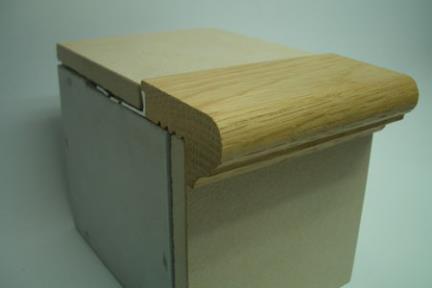 """פרופיל  למדרגה:  WD301. מידה 1X250 ס""""מ  פרופיל עץ: קצה מדרגה  לפני צבע"""