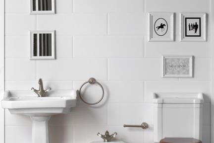 מונובלוק בחדר אמבטיה. צילום: אורי אקרמן.