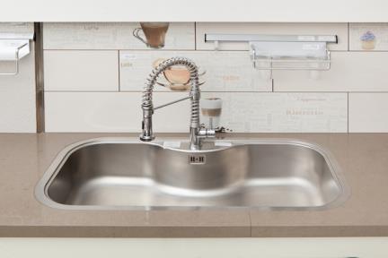 כיור למטבח עשוי נירוסטה NR104. כיור נירוסטה למטבח.  גודל: 51.3*98.3.  עומק:21.