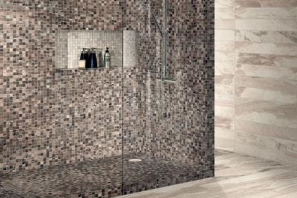 פורצלן דמוי אבן. חיפוי קיר מקלחת: פסיפס