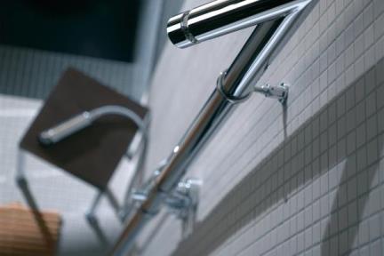 אביזרים לאמבטיה מוטות קומפלט למקלחת של Bongio 29531. מוט קומפלט מהרצפה