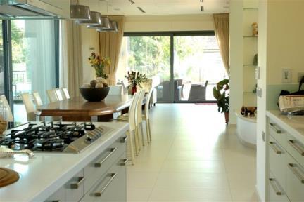 קרמיקה למטבח. עיצוב: אודי גלעדי