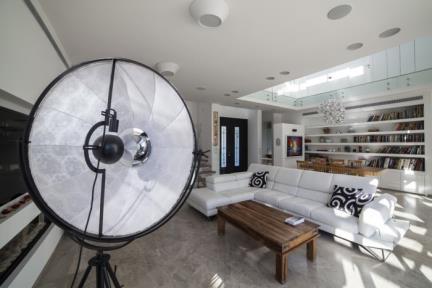שרון און – Studio 2ON. סלון.    צילום: טל ניסים.