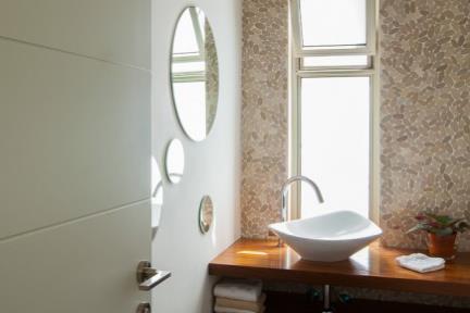 שרון און – Studio 2ON. חדר אמבטיה    צילום: טל ניסים.