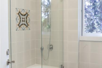 מקלחת בניחוח כפרי. מקלחת ילדים   צילום: אורית אלפסי.