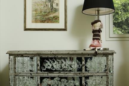 בית ברמת אביב. חדר שינה  צילום: אורית אלפסי.