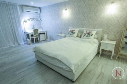 חדר שינה. פרוייקט יחידת דיור.  פורצלן דמוי עץ