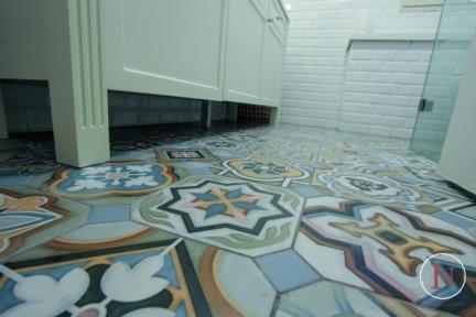 חדר מקלחת. פרוייקט יחידת דיור.  קרמיקה ענתיקה
