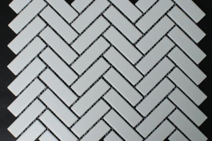 אריחי פסיפס לחיפוי קיר מקרמיקה 1013068. פסיפס פישבון.  צבע: לבן מט  גודל: 31*27.5
