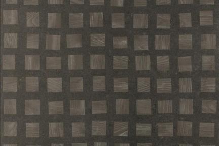 דגם 1001305. שחור עם דקור ריבועי עץ.  גודל: 60*60.  נגד החלקה R10.