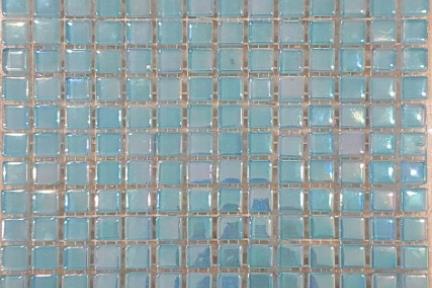 אריחי פסיפס לחיפוי קיר מאבן 3821. פסיפס 1*1 זכוכית תכלת צדף.גודל: 30*30.