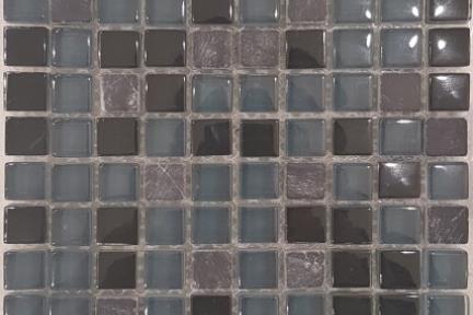 אריחי פסיפס לחיפוי קיר מזכוכית 3901. פסיפס זכוכית-אבן שחור.גודל: 30*30.