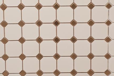 אריחי וינטג' לחיפוי קיר בסגנון עתיק 1012032. מתומן לבן מט 9.5 + טוזטות זהב מט 2.5.  גודל: 30*30