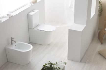 אסלות מונובלוק FR5618. מונובלוק רימלס ללא מושב.  גודל: 35*67
