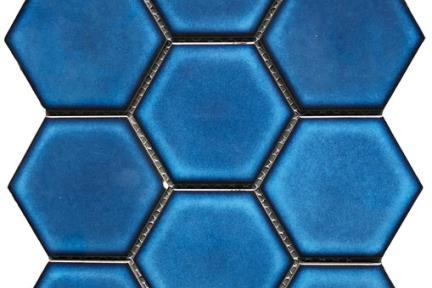 אריחי פסיפס לחיפוי קיר מקרמיקה 2568. פסיפס משושה 10 סמ כחול מעונן על רשת  גודל: 25.6*29.5