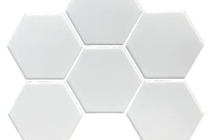 אריחי פסיפס לחיפוי קיר מקרמיקה 1002569. פסיפס משושה 10 סמ לבן מט על רשת.  גודל: 25.6*29.5