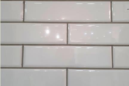 אריחים למטבח מקרמיקה 2288. לבן מבריק פאזה עגולה  7.5*30