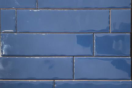 אריחי וינטג' לחיפוי קיר בסגנון עתיק 50284. קרמיקה ענתיקה כחול מבריק  גודל: 20*5