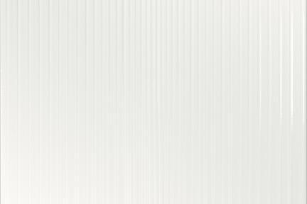 אריח לחיפוי קיר  דמוי טקסטיל 1537. אריח לבן פסים מבריק.  גודל: 25*25